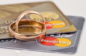 Symbolism of protecting your credit during divorce